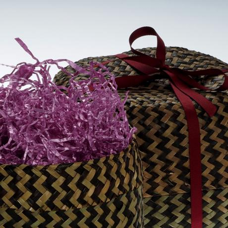 Large straw basket - close up detail showing packing